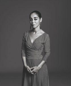 Shirin Neshat c. Rodolfo Martinez