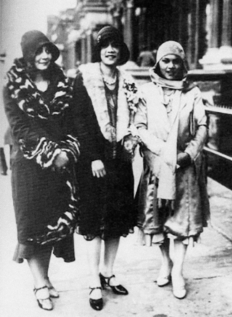 Three_Harlem_Women,_ca._1925