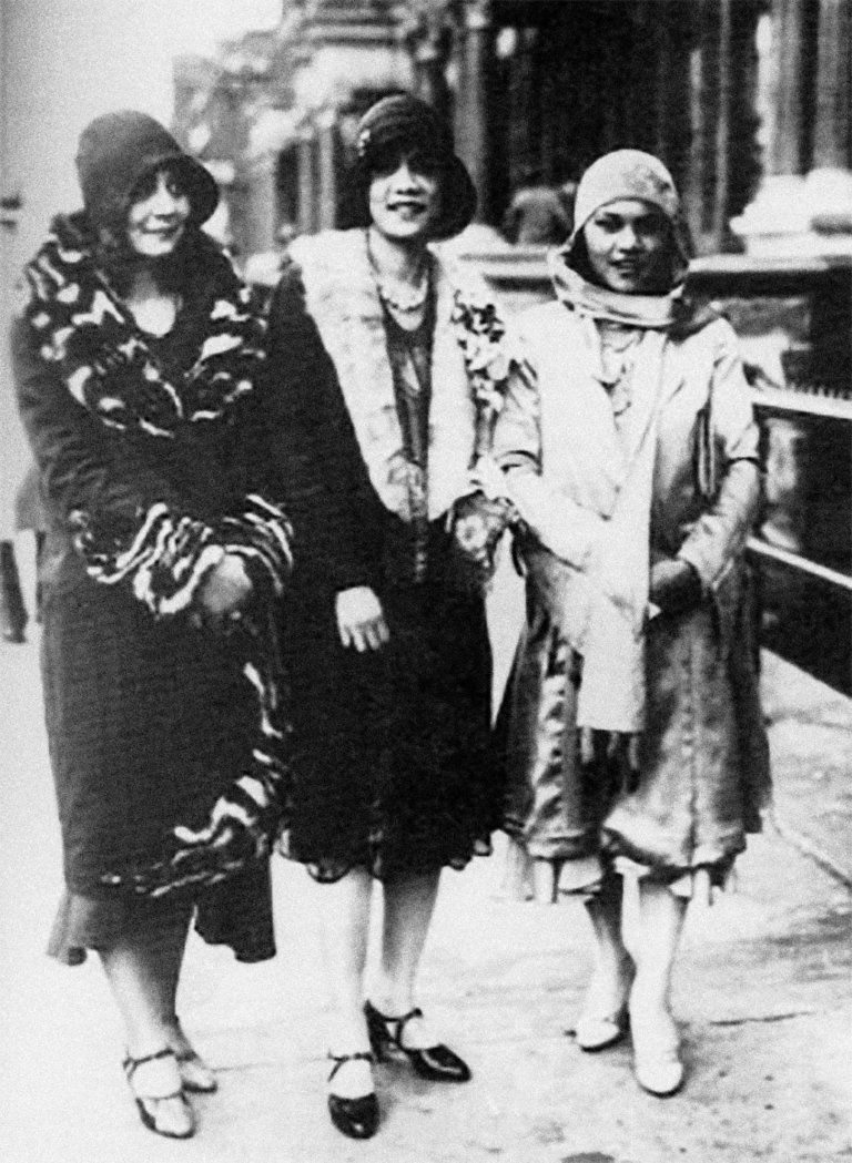 Three_Harlem_Women,_ca._1925