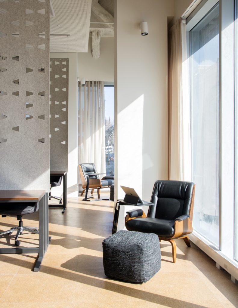 Writer's Studio single chair