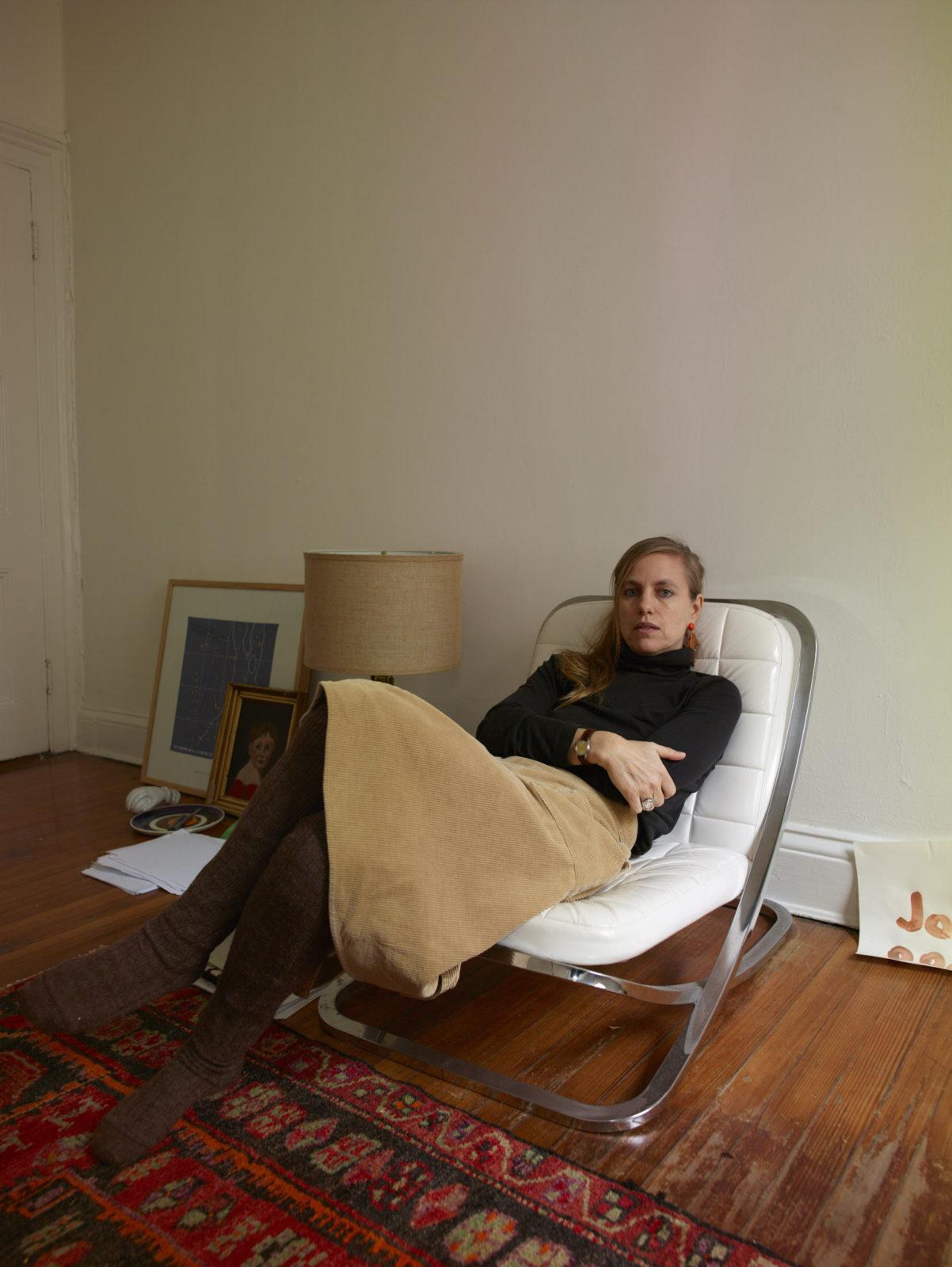 author photo studio 1